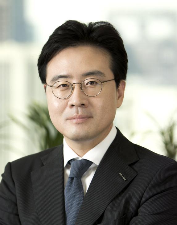 Dong-hyun Kim's photo - CEO of Coway