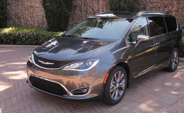 chrysler news 2017 chrysler pacifica new touring plus trim starts at 33 455 dollars. Black Bedroom Furniture Sets. Home Design Ideas